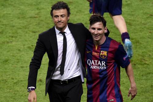 """""""Siêu nhân"""" Messi: Cột mốc 70 bàn & giấc mơ QBV - 2"""