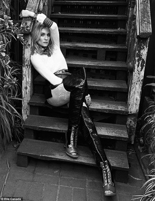 Chồng siêu mẫu Kate Moss âu yếm cựu thiên thần nội y - 12