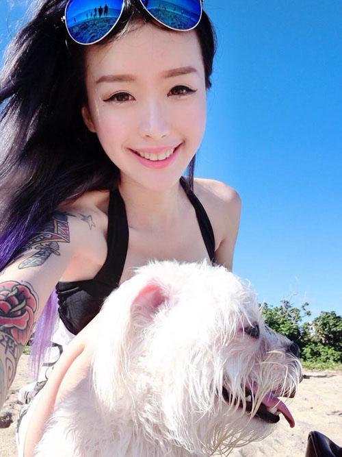 """Nữ DJ xứ Đài nổi tiếng vì dáng đẹp, hình xăm """"khủng"""" - 5"""