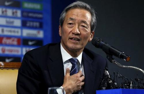Ứng viên ghế chủ tịch FIFA: Đừng đùa với ông Chung - 1
