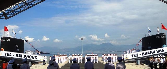 Ảnh: Lễ thượng cờ 2 tàu ngầm 184-Hải Phòng và 185-Khánh Hòa - 1