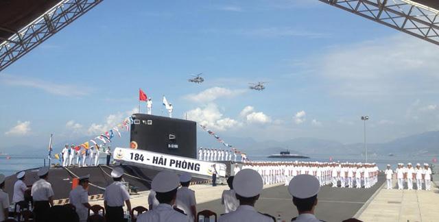 Ảnh: Lễ thượng cờ 2 tàu ngầm 184-Hải Phòng và 185-Khánh Hòa - 4
