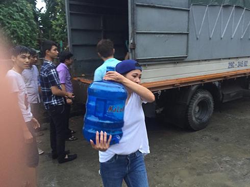 Sao Việt kêu gọi ủng hộ đồng bào gặp lũ lụt ở Quảng Ninh - 3