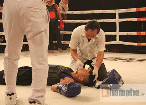 Dính đòn nặng, võ sĩ gục ngay trên sàn đấu - 4