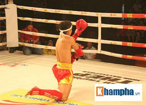Dính đòn nặng, võ sĩ gục ngay trên sàn đấu - 9