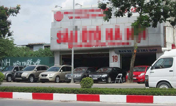 """Khám phá """"thiên đường"""" xe ô tô cũ tại Hà Nội - 1"""
