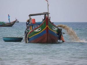 """Vùng biển Quảng Ngãi """"dậy sóng"""" vì cổ vật"""