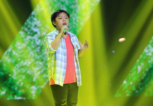 """""""Hot girl 14 tuổi xứ Huế"""" khiến HLV The Voice Kids bấn loạn - 5"""