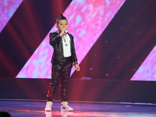 """""""Hot girl 14 tuổi xứ Huế"""" khiến HLV The Voice Kids bấn loạn - 6"""