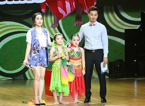 """Khán giả cuồng nhiệt với 2 """"cô dâu 8 tuổi"""" Việt Nam - 2"""