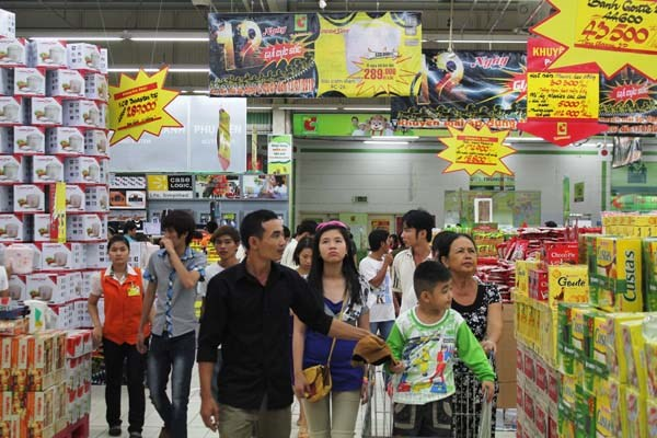 """Hàng Việt """"vật vã"""" tìm đường vào siêu thị - 1"""