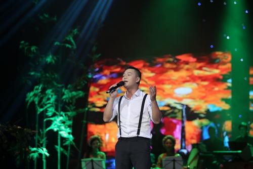 """Khán giả Hà Nội tặng tiền tới tấp cho """"Vua nhạc sến"""" - 7"""