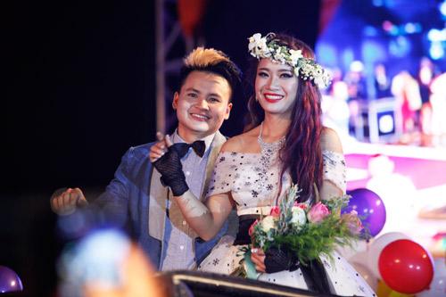 Nam giới tự tin giả gái diễn váy cưới tại Hà Nội - 3