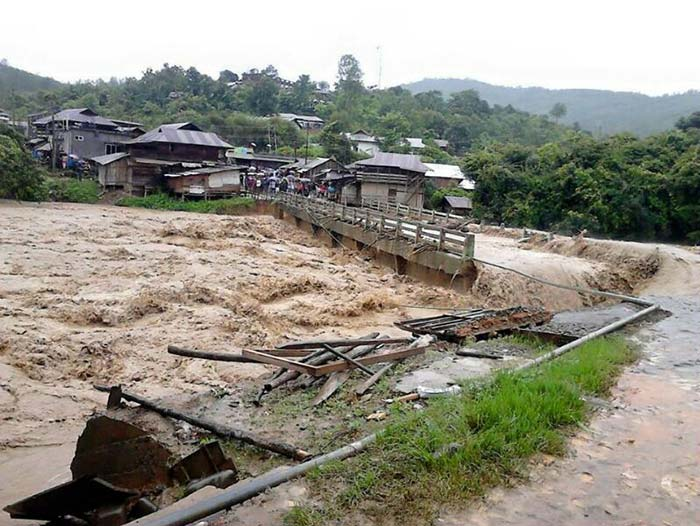 Ấn Độ: Bão lũ, lở đất làm 60 người chết - 3