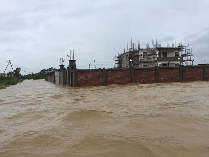 Ấn Độ: Bão lũ, lở đất làm 60 người chết - 7