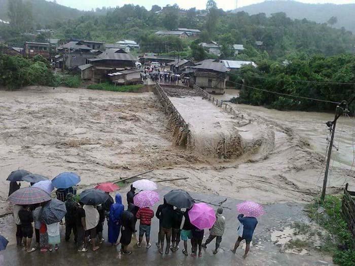 Ấn Độ: Bão lũ, lở đất làm 60 người chết - 8