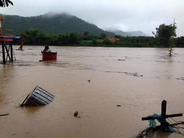 Hình ảnh mưa lũ bủa vây miền Bắc - 2