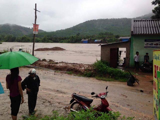 Hình ảnh mưa lũ bủa vây miền Bắc - 6