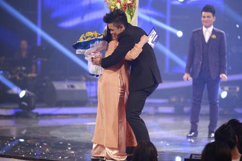 Trọng Hiếu trở thành quán quân Vietnam Idol mùa thứ 6 - 2