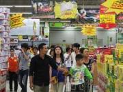"""Hàng Việt """"vật vã"""" tìm đường vào siêu thị"""