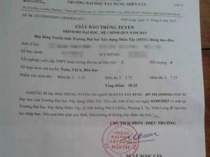 Đi nộp hồ sơ xét tuyển ĐH, thí sinh nhận ngay giấy báo… trúng tuyển