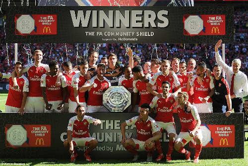 Arsenal đoạt Siêu Cup: Chiến thư trước thềm mùa giải - 3