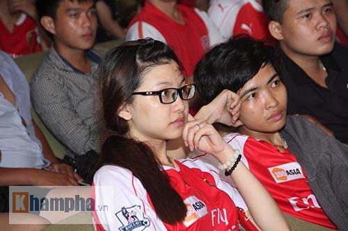 Fan Arsenal mừng Siêu cúp, tranh thủ cổ vũ Ánh Viên - 3