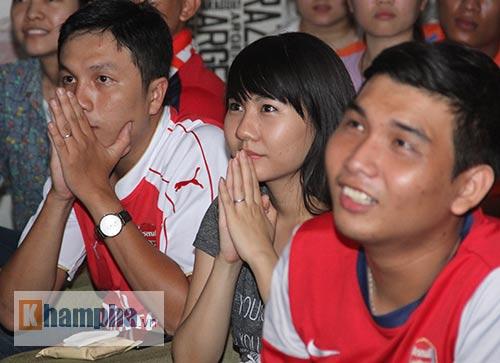 Fan Arsenal mừng Siêu cúp, tranh thủ cổ vũ Ánh Viên - 4