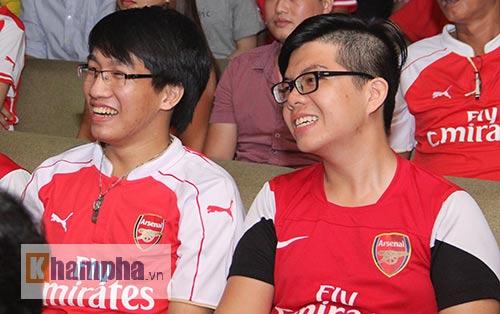 Fan Arsenal mừng Siêu cúp, tranh thủ cổ vũ Ánh Viên - 6