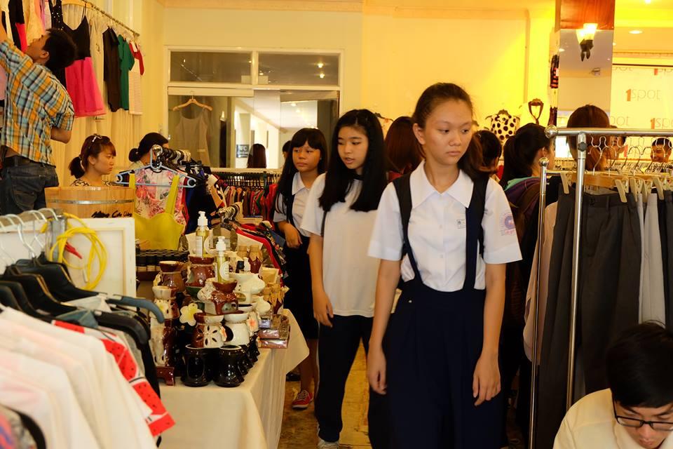 """Săn đồ sale tại chợ phiên """"I love SaiGon"""" - 1"""