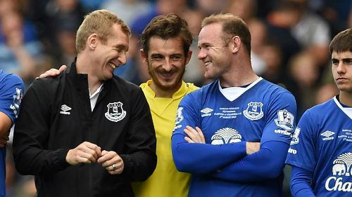 Dẹp bỏ hiềm khích, Rooney trở lại khoác áo Everton - 2