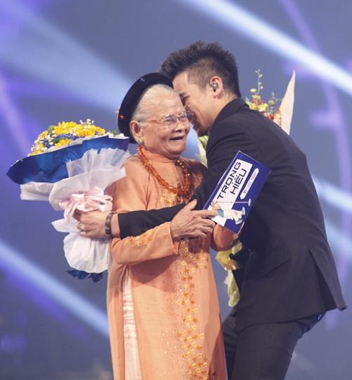 Bà ngoại 90 tuổi ủng hộ hết mình cho Trọng Hiếu - 3