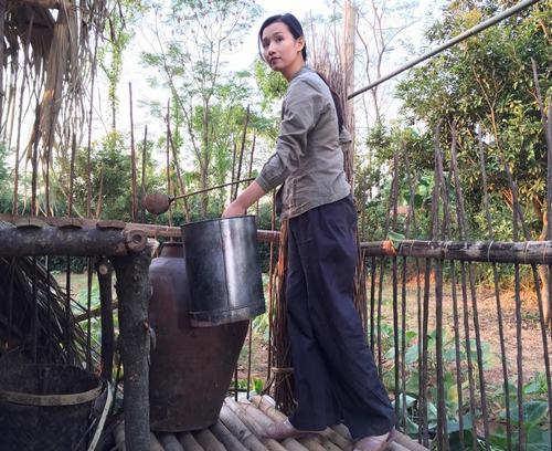 Lã Thanh Huyền dầm mưa lạnh 5-7 độ C vì phim chiến tranh - 13