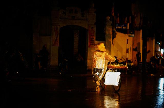 Hà Nội: Nao lòng những đêm mưa tháng 8 - 7