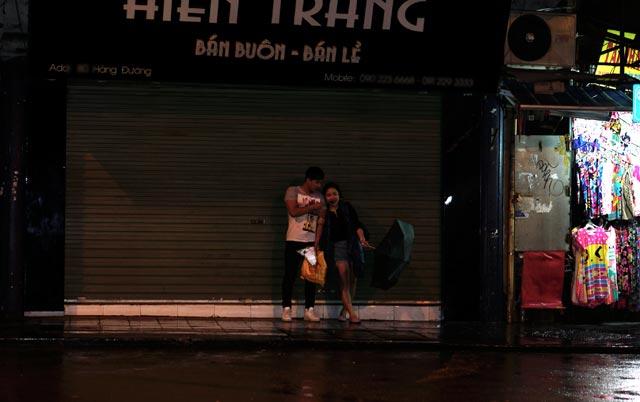 Hà Nội: Nao lòng những đêm mưa tháng 8 - 4