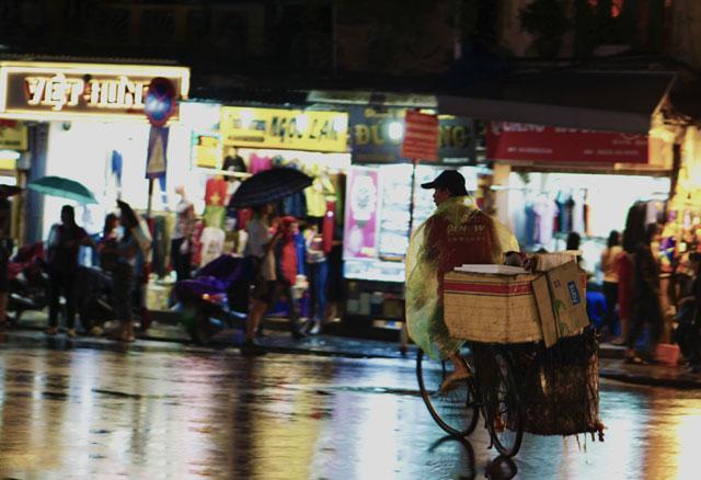 Hà Nội: Nao lòng những đêm mưa tháng 8 - 11
