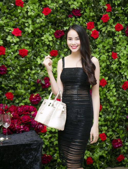 Hot girl Sella Trương bất ngờ trở lại showbiz - 1