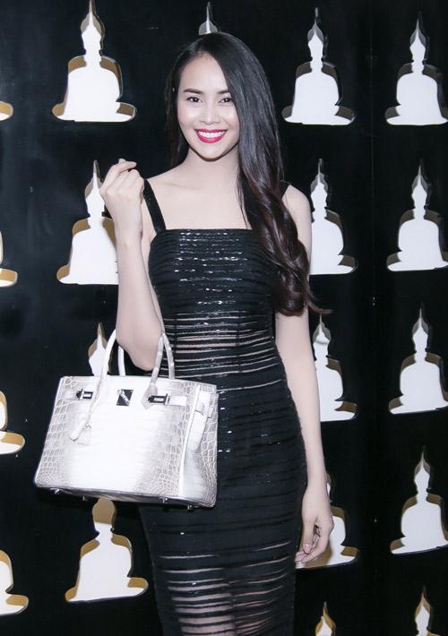 Hot girl Sella Trương bất ngờ trở lại showbiz - 8