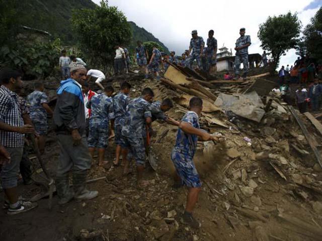 Ảnh: Người dân châu Á oằn mình trong mưa lớn, lũ quét - 8