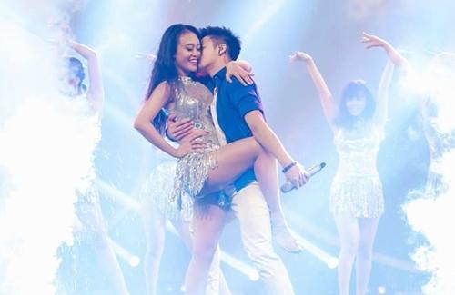 Quán quân VN Idol vướng tin đồn yêu vũ công nóng bỏng - 7