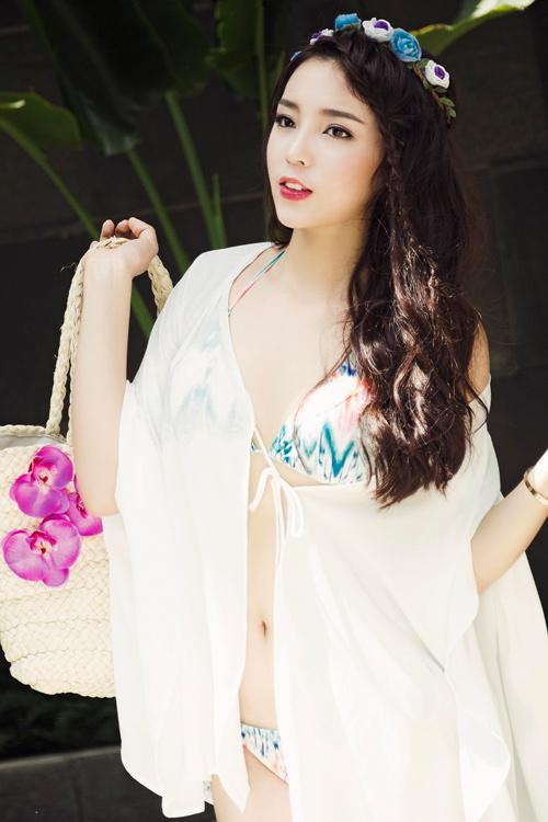 Kỳ Duyên diện bikini gợi cảm, khoe da trắng muốt - 9