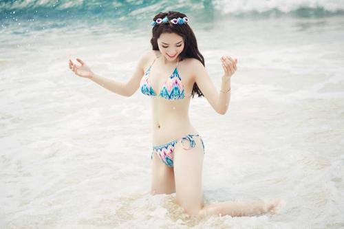 Kỳ Duyên diện bikini gợi cảm, khoe da trắng muốt - 12