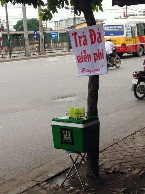 Chủ tịch quận Hoàng Mai lên tiếng vụ thu bình trà đá miễn phí - 1