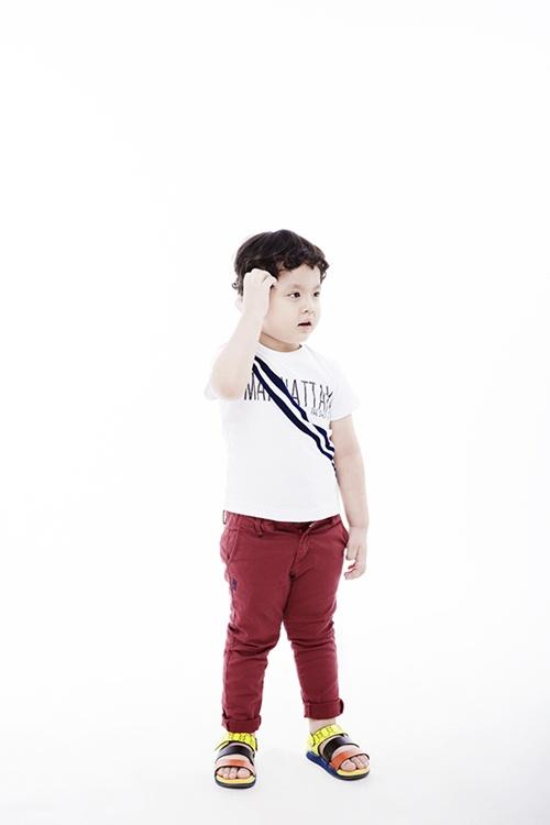 Con trai Trương Quỳnh Anh tạo dáng chuyên nghiệp - 3