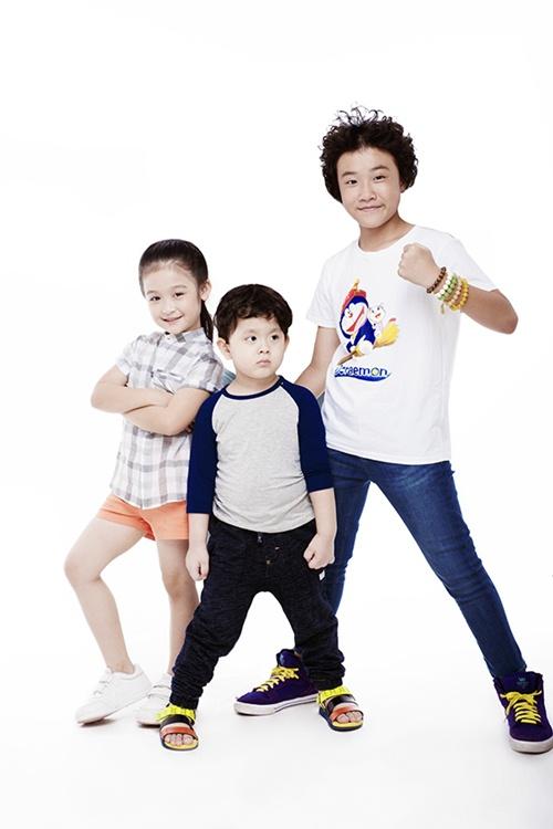 Con trai Trương Quỳnh Anh tạo dáng chuyên nghiệp - 12