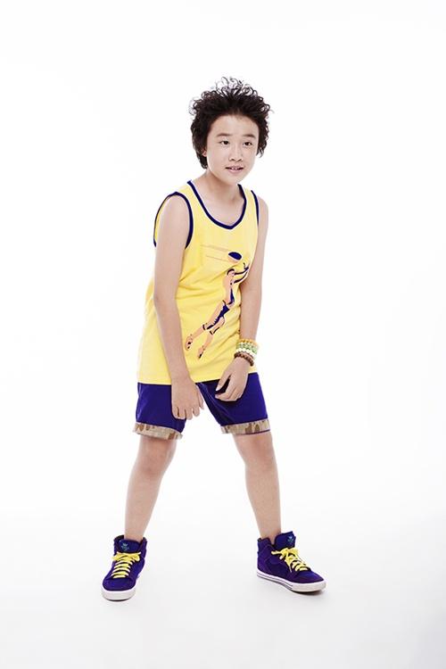 Con trai Trương Quỳnh Anh tạo dáng chuyên nghiệp - 4