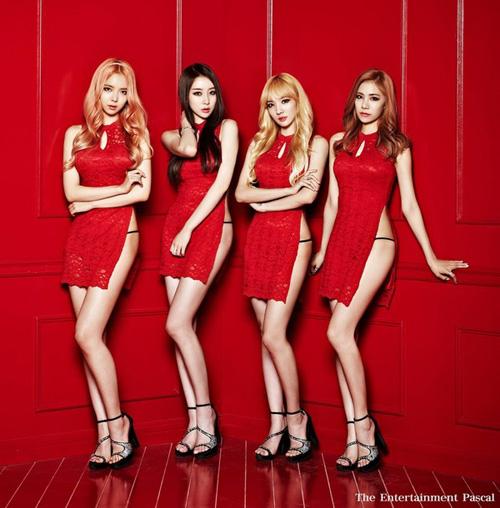 Nhóm nhạc Hàn chấp nhận bị ghét vì mặc hở - 1