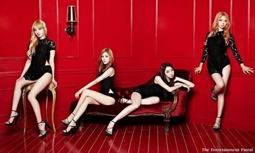 Nhóm nhạc Hàn chấp nhận bị ghét vì mặc hở - 4
