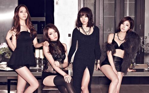 Nhóm nhạc Hàn chấp nhận bị ghét vì mặc hở - 5