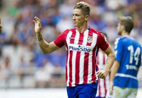 Tin HOT tối 4/8: Iniesta được trao băng đội trưởng - 2